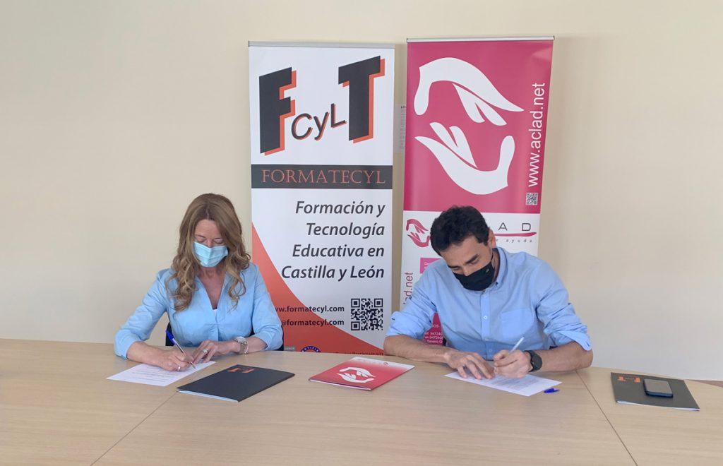 Firma de convenio entre Formatecyl y la asociación ACLAD